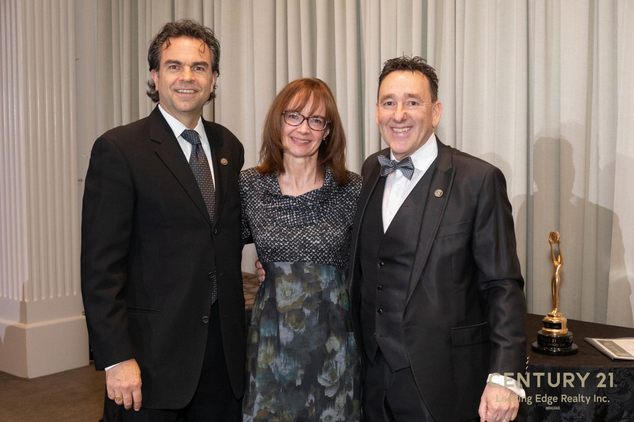 Century21 Outstanding Achievement Award - Karen Harvey Real Estate - Photo